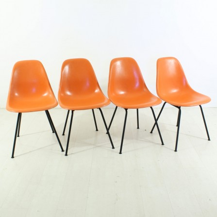 4er Set Eames Sidechair orange H-Base