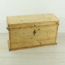 antique trunk, ca 1850